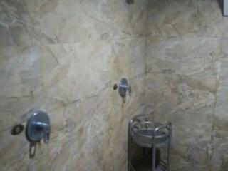浴池淋浴间