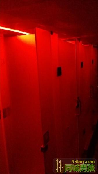 同志在公厕的经历
